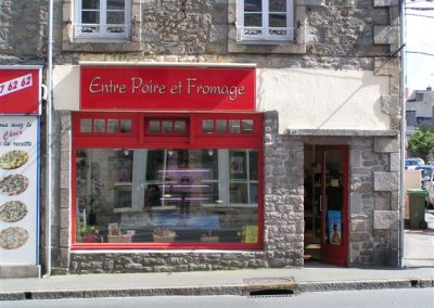 Agencement d'un magasin de vente de fromages à DINAN